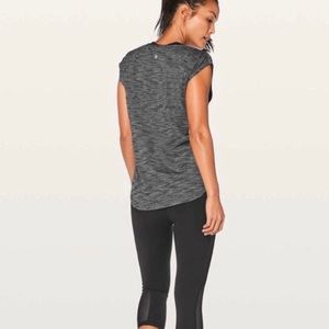 EUC LULULEMON Gray Cap Sleeve Top - 4